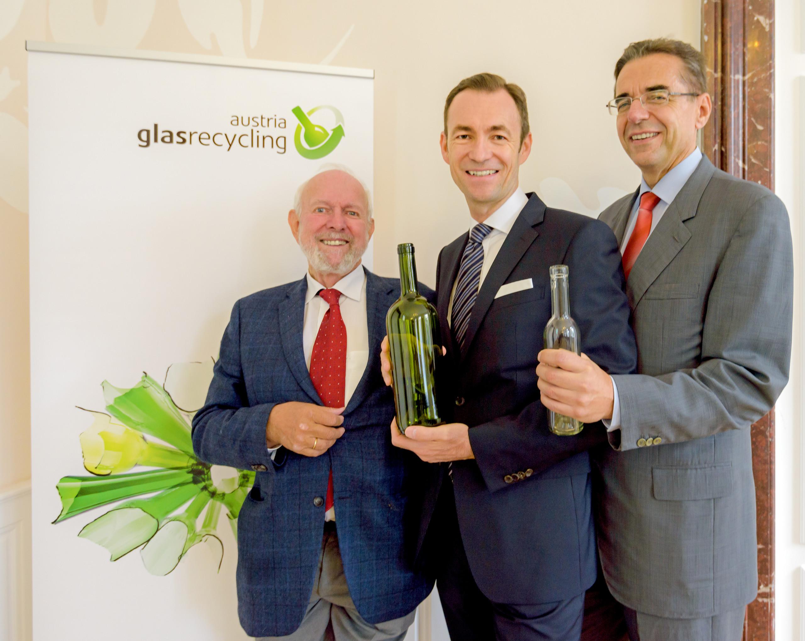 Professor Ernst Ulrich von Weizsäcker, Dr. Harald Hauke und Prokurist DI Dr. Haymo Schöner