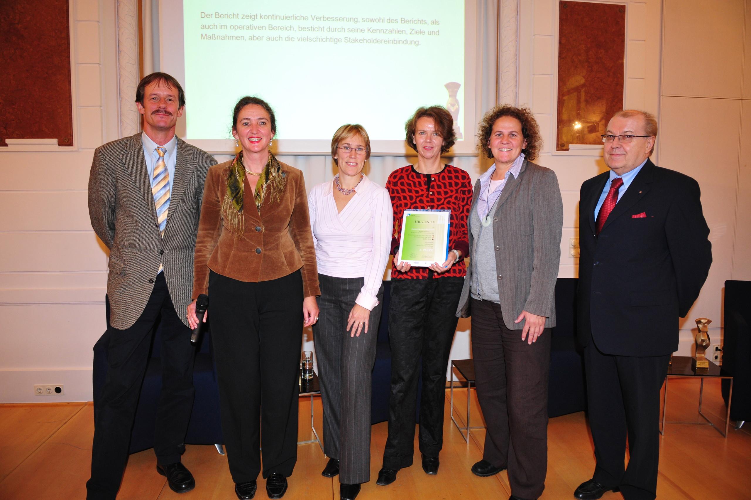EMAS-Preis 2005 für Austria Glas Recycling, (v.l.n.r.: Dr. Gerald Hirss-Werdisheim, Monika Piber-Maslo, DI Ursula Gangel, BM Pröll)