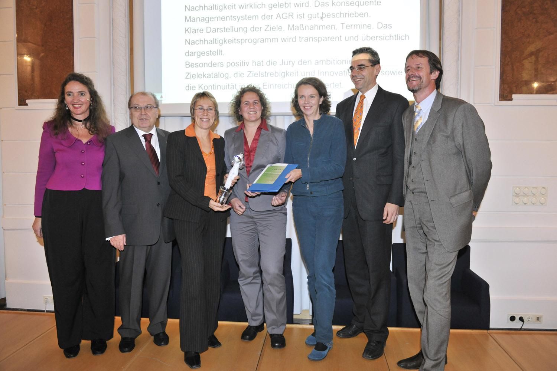 ÖkoBusiness-Auszeichnung 2008 für Austria Glas Recycling, (v.l.n.r. Monika Piber-Maslo, Dr. Gerald Hirss-Werdisheim, Umweltstadträtin von Wien Mag. Ulli Sima; Foto: ÖkoBusinessPlan Wien)