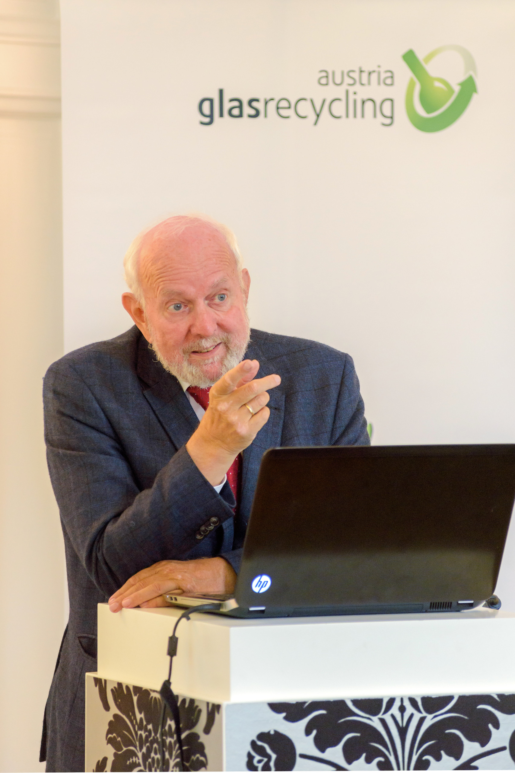 Geschäftsführer Dr. Harald Hauke