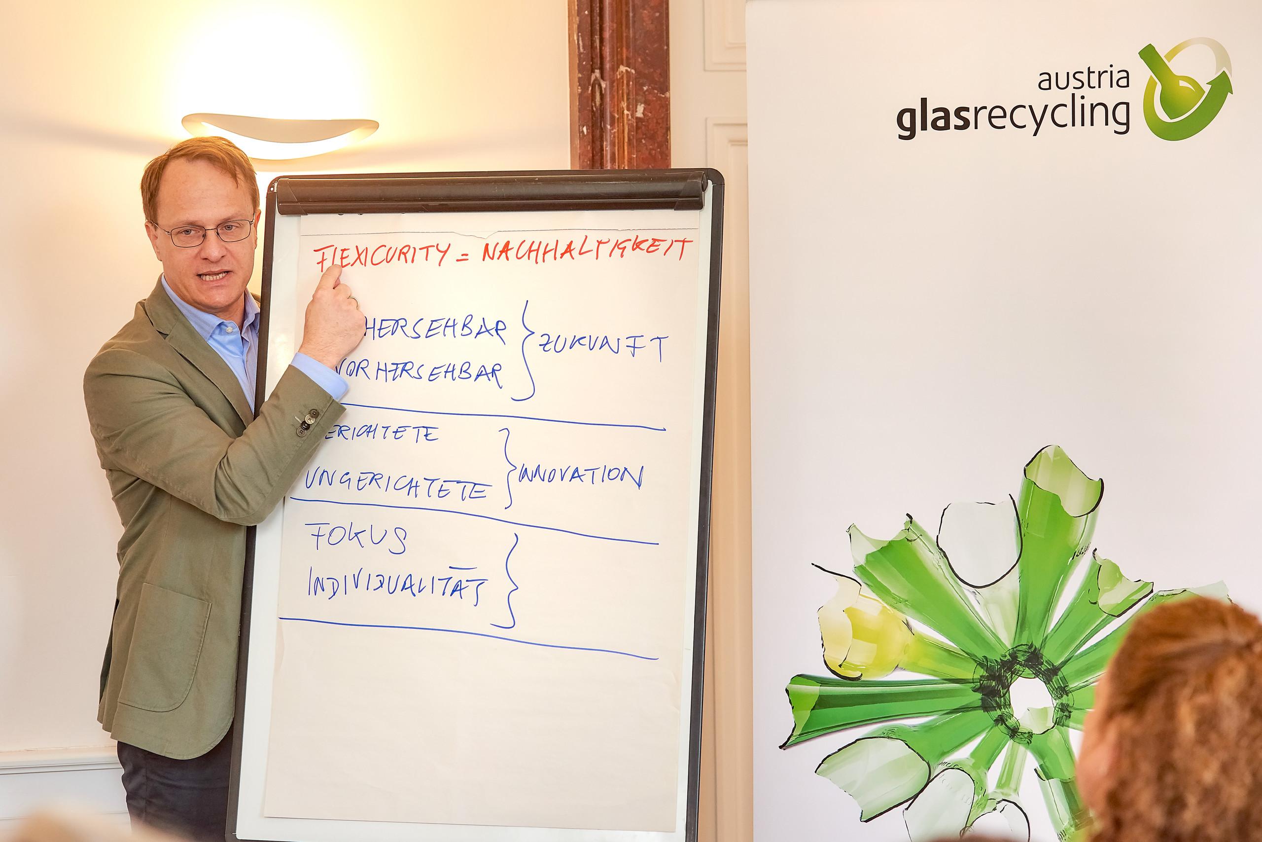 der Genetiker Markus Hengstschläger plädiert für FlexiCurity in Unternehmen